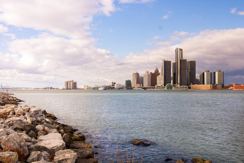 skyline of area dealing with detroit opiate addiction